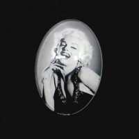"Oval Dome GlassMarilyn Monroe25mm x 18mm(1"" x  11/16"") Min. 6 Units - Product Image"