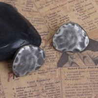 "Antique SilverHammered Heart Shape30mm (1 1/8"") WMin. 6 Units - Product Image"
