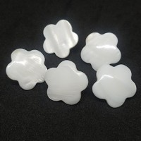 "Mother of Pearl ButtonsWhite Flower Domed20mm (3/4"")Min. 1 Doz. - Product Image"