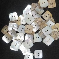 "Natural Shell ButtonNatural12mm (1/2"") sq.Min. 1 Doz. - Product Image"
