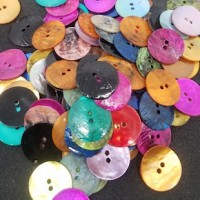 "Natural Shell ButtonDyed, Multi Color15mm (9/16"") dia.Min. 1 Doz. - Product Image"