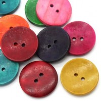 "Wood ButtonDyed30mm (1 1/8"") dia.Min. 6 Units - Product Image"